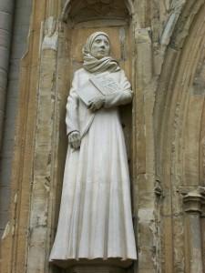 Statue_of_Dame_Julian-225x300